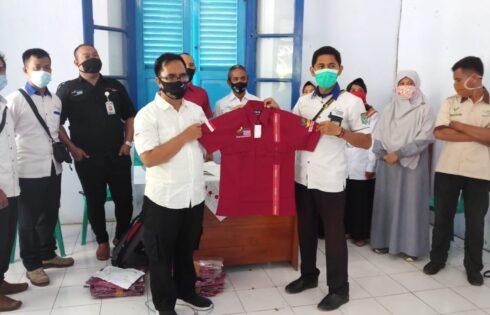 Dinsos NTB Serahkan Baju seragam Untuk SDM PKH se NTB